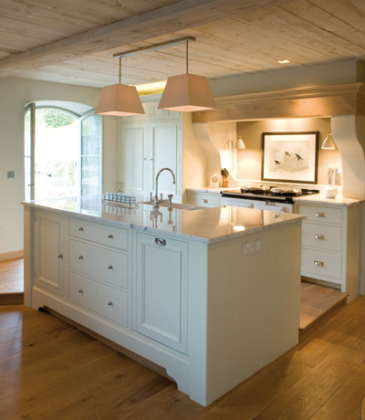 Neptune Chichester painted kitchen