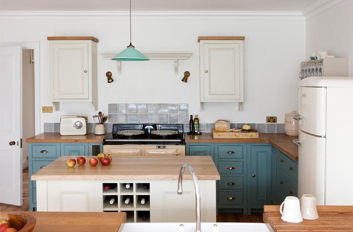 Image 1: Neptune Chichester kitchen Surrey\