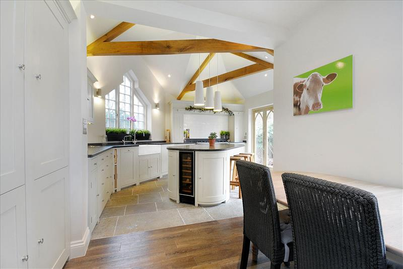 7 Striking Neptune Suffolk kitchen designed to fit an unconventional space